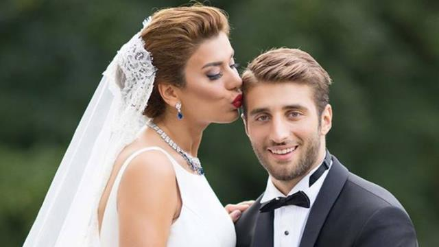 Ebru Şancı, the wife of football player Alpaslan Öztürk, revolted on social media: Resign the secure site management for which we paid 2500 TL dues.