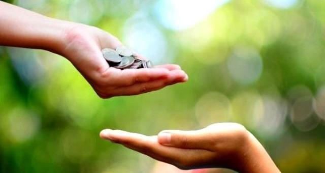 Anneye, babaya, eşe ve çocuklara fitre verilir mi? Kimlere fitre verilmez? Kimlere fitre verilir?