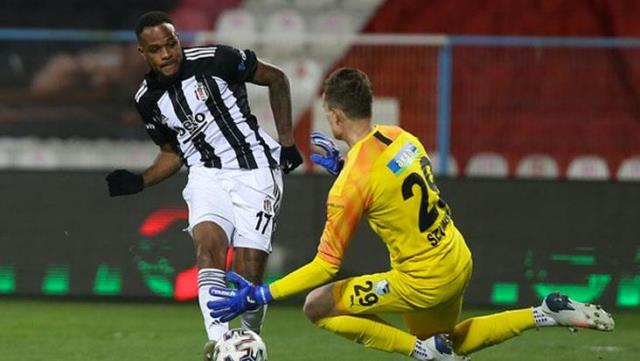 Cyle Larin, who has wreaked havoc this season, is running towards the record