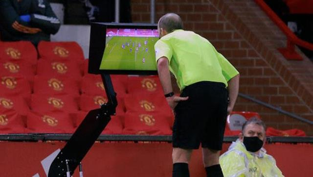 After VAR in football, a new system is being introduced: Semi-Automatic Offside!