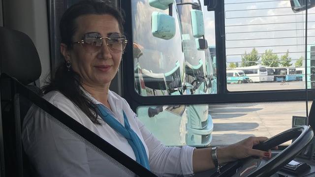 Manisa'nın ilk ve tek kadın halk otobüsü şoförü, Kod 29'la işten çıkarıldı
