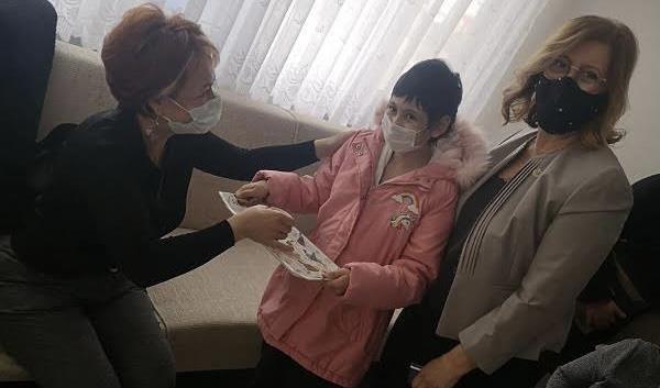 İzmir Hasta Çocuk Evleri Derneği çocukların umudu olmaya devam ediyor
