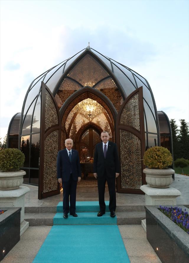 Cumhurbaşkanı Erdoğan'la MHP lideri Bahçeli, Özbek Otağı'nda iftar yaptı