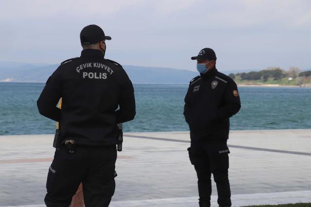 Vaka sayısında Türkiye üçüncüsü olan kentte sahiller ve parklar kapatıldı