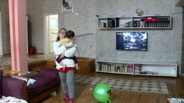 Adana -'Her şeyi göze alıyorum' diyerek yerde tekmelediği İran uyruklu mimar kadını dakikalarca darbetti - Yeniden