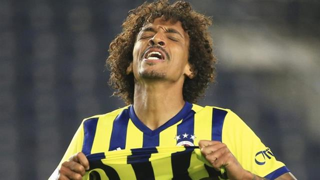 Luiz Gustavo, lover of the fan who lost his jersey in recent weeks, says goodbye to Fenerbahçe