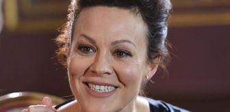 James Bond: Peaky Blinders dizindeki rolü ile ünü dünyaya yayılan Helen McCrory 52 yaşında hayatını kaybetti