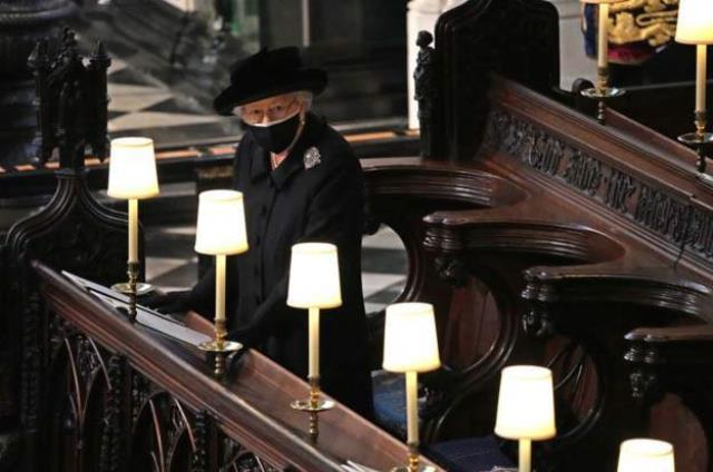 Kraliyet Prens Philip'i son yolculuğuna uğurladı! İşte törenden dikkat çeken detaylar