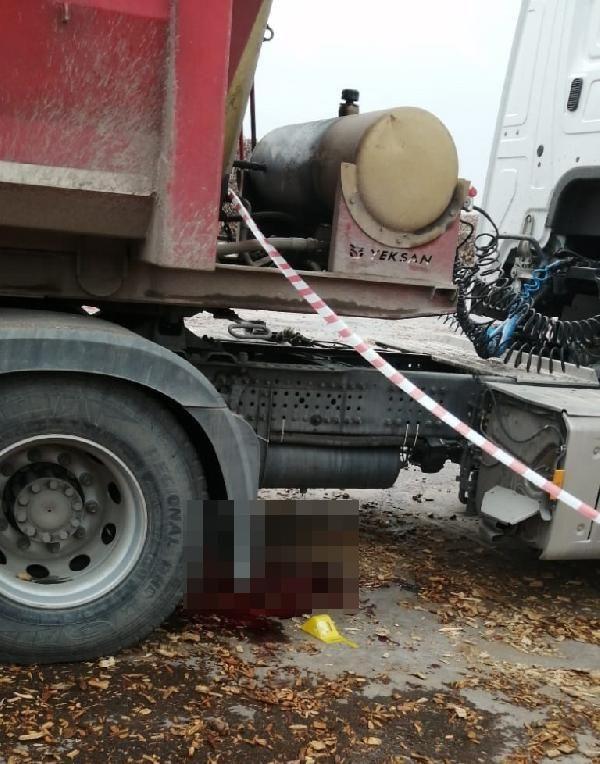 Son dakika haberleri | Branda örtmek isterken kamyondan düşen kişi öldü
