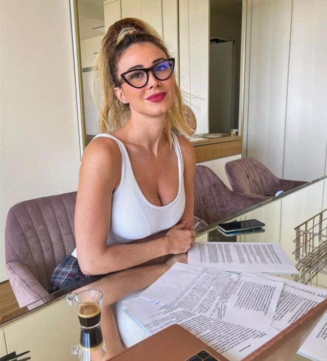 Can Yaman'ın ilişkisine nazar değdi! İkilinin ayrıldığı iddia ediliyor