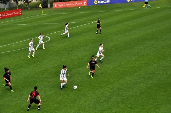 Ereğli Belediyespor, ilk maçında Kocaeli Futbol Kulübü'nü 2-1 yendi
