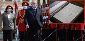 Medya: Kritik görüşmeye damga vuran olay! Ermenistan Cumhurbaşkanı Sarkisyan şeref defterine Ağrı Dağı'nı çizdi