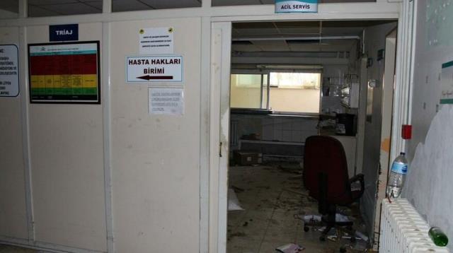 İki yıl önce kapısına kilit vurulan devlet hastanesi hastane talan edildi