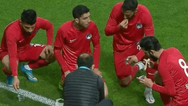 The voices of football players opening iftar on the field were heard and the match hours were arranged according to iftar.