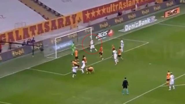 Idle Nwakaeme's head shot exploded on the pole, Muslera also loaded on his friends