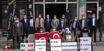 Oğuz Akyüz: Son dakika yerel: Çocukları dağa kaçırılan ailelerin HDP önündeki nöbeti sürüyor