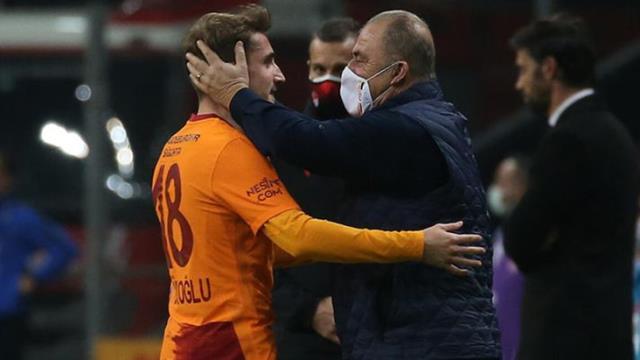 Kerem Aktürkoğlu, 'Alo ben Emre ağabeyin' çağrısını önemsemeyip, Fatih Terim için Galatasaray'a imza attı