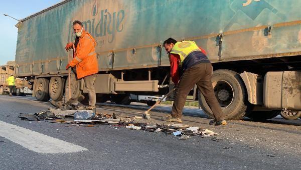 Gaziosmanpaşa'da TIR, taksiye çarptı; şoför ağır yaralandı