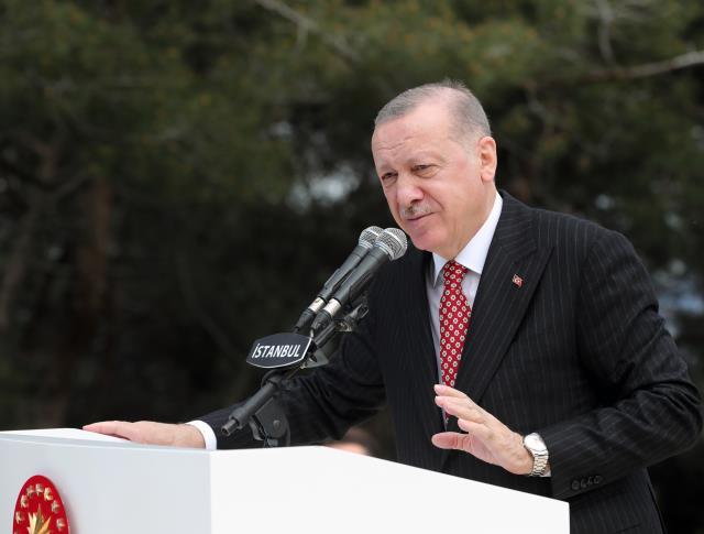 Son Dakika: Çamlıca Tepesi'ne dev Türk bayrağı! İstanbul'un her yerinden görülebilecek