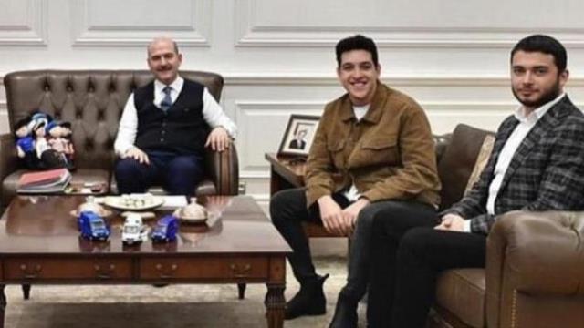 Thodex'in kurucusu Faruk Fatih Özer ile fotoğraf çekilen Bakan Soylu'dan açıklama: Şahsı tanımıyorum