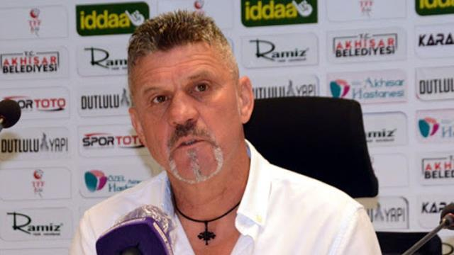 Dilsöz, the coach of the team, was not aware of Akhisar signing a contract with Onyebueke, who is not a football player!