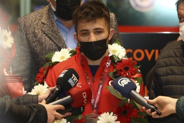 SPOR Avrupa şampiyonu Milli Güreşçiler, Ankara'ya geldi