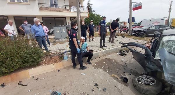 Yürekleri ağza getiren kaza! Ortalık savaş alanına döndü, 5 kişi yaralandı