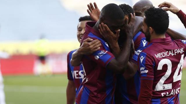 Trabzonspor, Karagümrük'ü 2-0 yenerek 5 maçlık kazanamama serisine son verdi