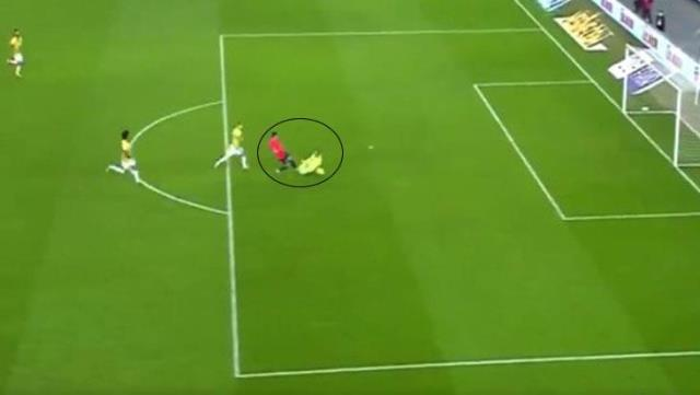 Harun Tekin, who conceded the wrong goal at the beginning of the match, took a penalty this time in the last moments.