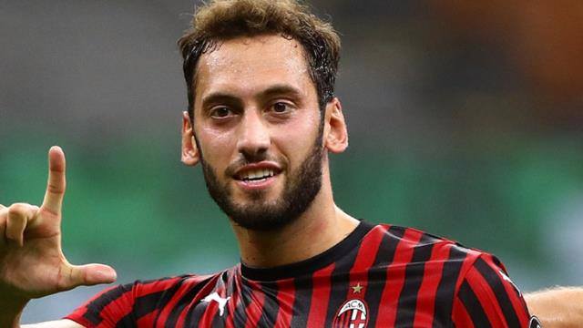 Real Madrid took Hakan Çalhanoğlu, who could not agree with Milan, on its radar