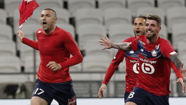 Burak Yılmaz, who scored two goals and one assist in the match where his team fell 2-0 behind, was declared a hero in France.