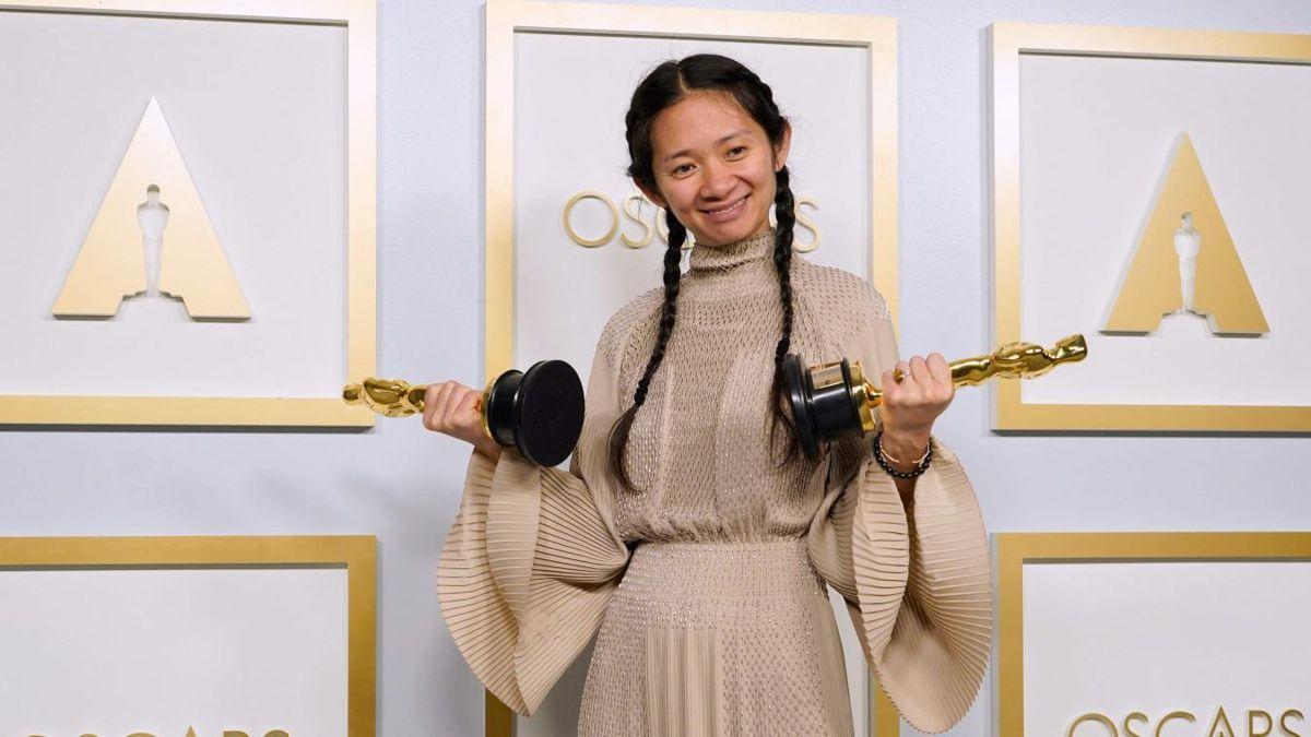 En İyi Yönetmen Ödülü'nü alan Chloe Zhao, Oscar'da bir ilki başardı thumbnail