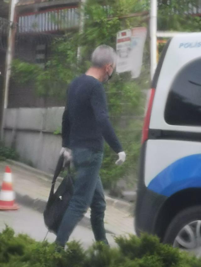 Son Dakika: İstanbul otogarında PKK'lıların bir aracın altına yerleştirdiği 5 kilo patlayıcı ele geçirildi, 2 kişi yakalandı