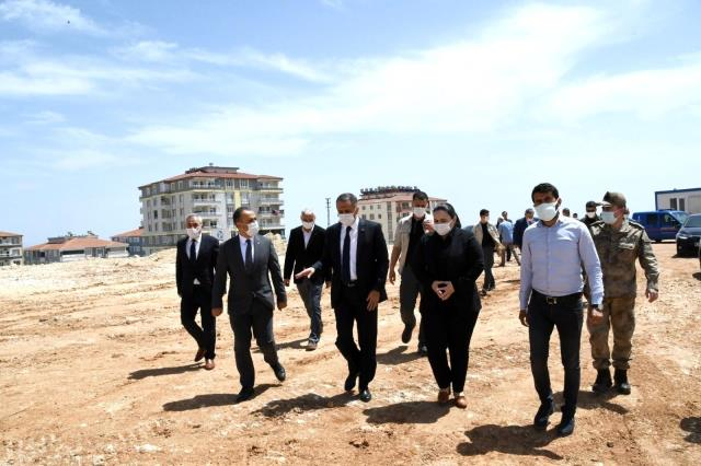 Vali Çuhadar, Besni'de okul inşaatlarını inceledi