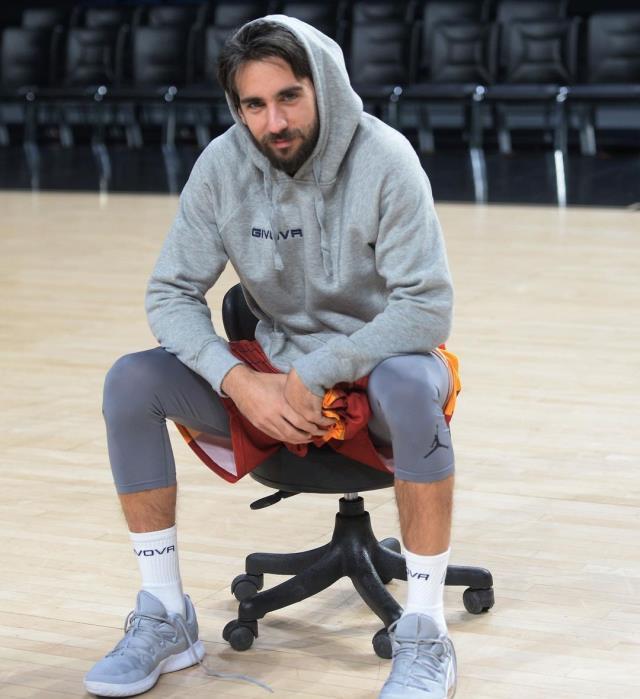 Yasmin Erbil ve basketbolcu Can Korkmaz aşk yaşıyor