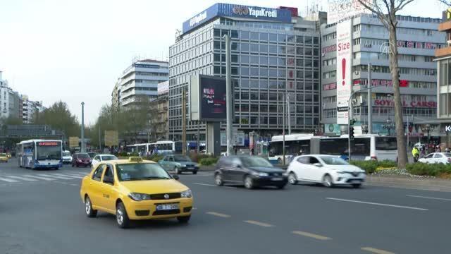 Afyonkarahisar'da 'tam kapanma'yla sokaklar boşaldı