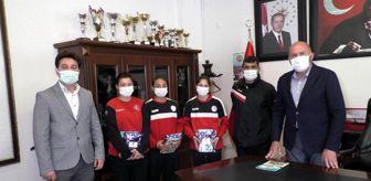 Türkiye Güreş Federasyonu: Başkan Ertürk'ten milli sporculara destek