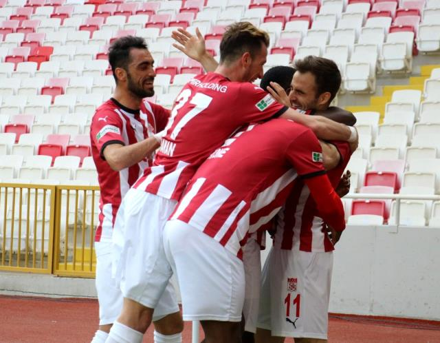 Sivasspor ligdeki 13. galibiyetini aldı