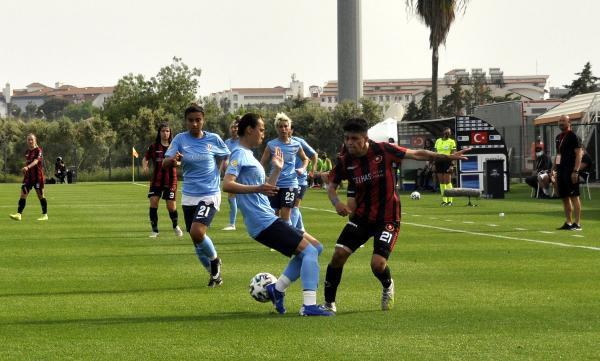 SPOR Turkcell Kadın Futbol Ligi'nde ilk finalist Fatih Vatanspor