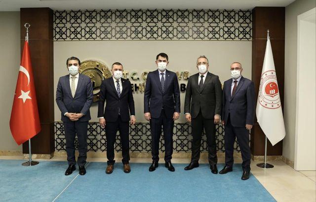 Başkan Savran'dan Çevre ve Şehircilik Bakanı Kurum'a ziyaret