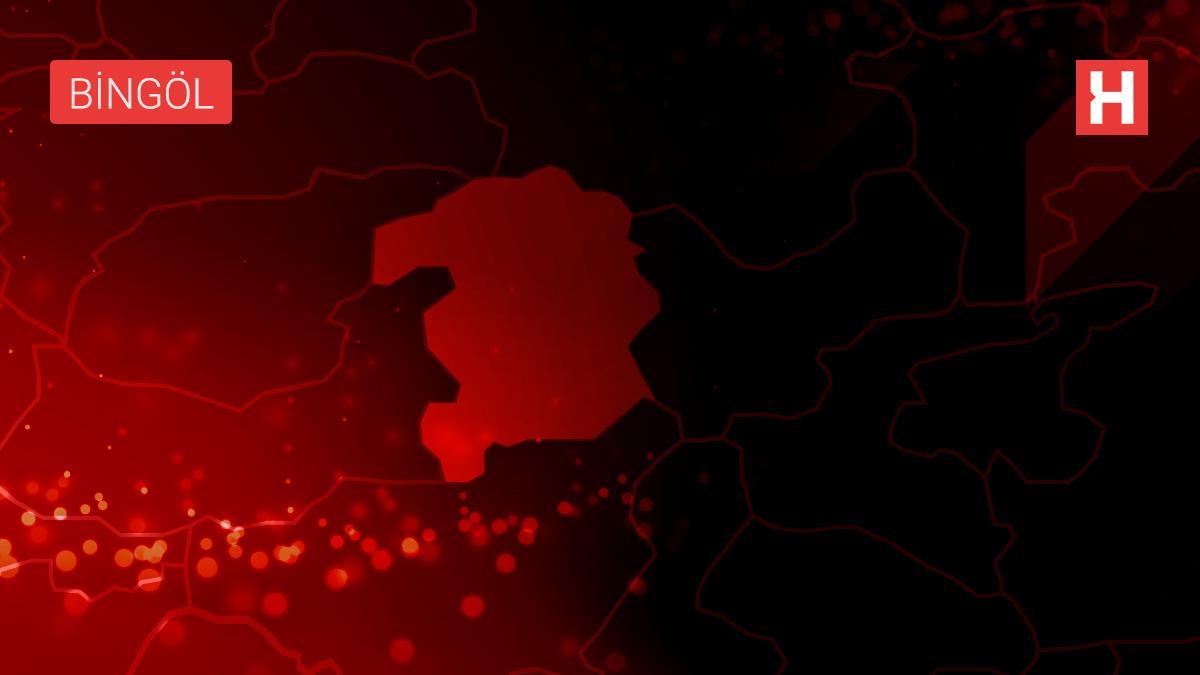 Bingöl Devlet Hastanesinde Kovid-19'a karşı aşılama iftar sonrasında devam ediyor