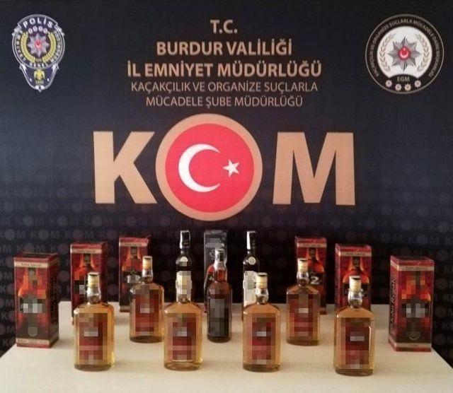 Son dakika 3. sayfa: Burdur'da litrelerce kaçak içki ve 813 adet cinsel performans arttırıcı ürün ele geçirildi