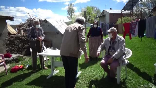 Göç eden vatandaşlar kısıtlama günlerini döndükleri köylerinde geçiriyor