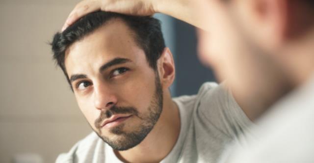 Saç dökülmesine ne iyi gelir? Saç dökülmesi neden olur?