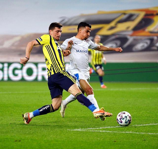 Süper Lig: Fenerbahçe: 3 BB Erzurumspor: 0 (İlk yarı)