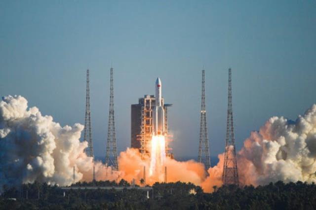 Çin'in fırlattığı roket kontrolden çıktı, Dünya'ya düşüyor! Çok sayıda kişi hayatını kaybedebilir