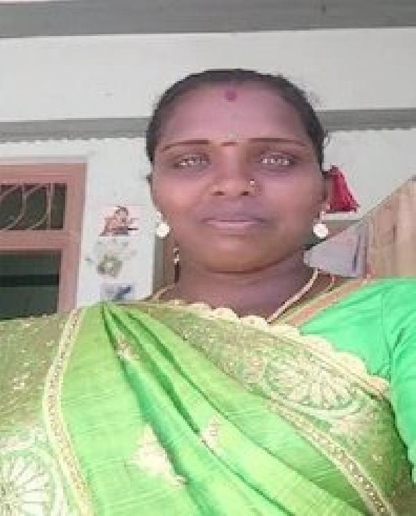Hindistan'da bir kadın desteklediği parti seçimleri kazanınca dilini kesti