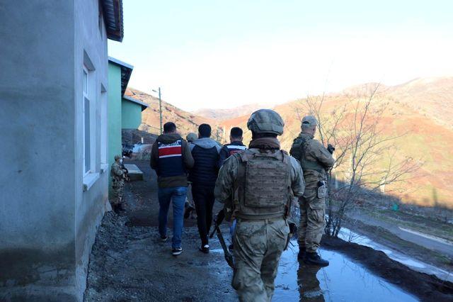 Jandarma terör örgütüne darbe üstüne darbe indirdi