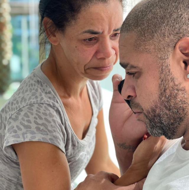 Şöhretler Müzesi'nde yer alacağını öğrenen Adriano, hüngür hüngür ağladı