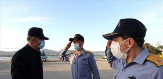 Hulusi Akar: Milli Savunma Bakanı Akar, Gölcük Donanma Komutanlığında leventlerle iftar yaptı (1)